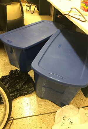 2 lg storage boxes like new 50 gal for Sale in Pinetop, AZ
