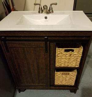 VANITY BATHROOM..........30 INCHES WIDE...........BRAND NEW for Sale in Kissimmee, FL