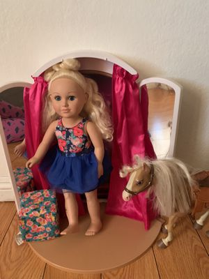 Doll, mirrow, horse and a sofa for Sale in Fontana, CA