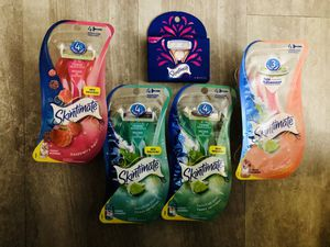Skintimate Sensitive Skin Women's Disposable Razors and refill~$5 each for Sale in Hartford, CT