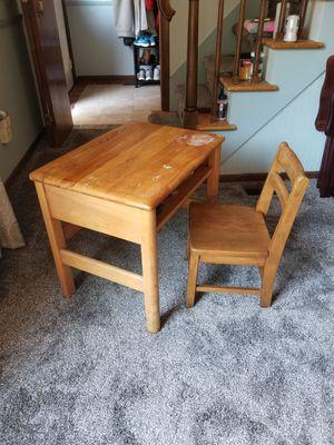 School desk & chair for Sale in PA, US