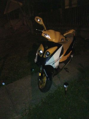 Motor scooter for Sale in Columbus, OH