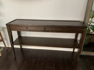 Bassett Side Console table for Sale in Federal Way, WA