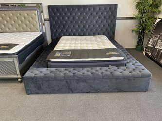 King bed frame ON SALE🔥 for Sale in Fresno,  CA