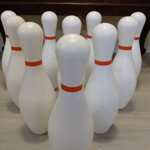 Large Plastic Bowling Pins (10) for Sale in Elgin, SC