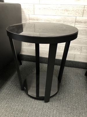 Black side table for Sale in Anaheim, CA