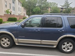 2005 Ford Explorer Eddie Bauer edition for Sale in Aspen Hill, MD