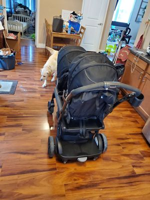 Graco double stroller for Sale in Belleville, IL
