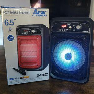 """New Bluetooth Speaker 6.5"""" FM Radio. Bocina Bluetooth sonido claro y fuerte 4 horas de batería y radio FM for Sale in Los Angeles, CA"""