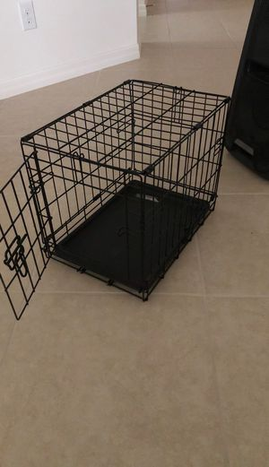 small dog cage for Sale in Dundee, FL