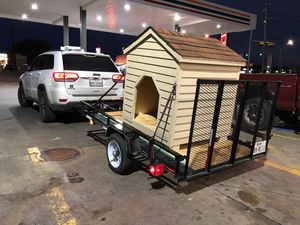 German Shepard dog house size for Sale in Grand Prairie, TX