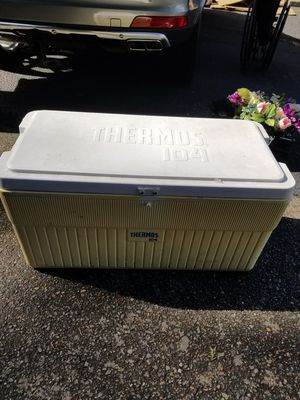 Large outdoor cooler thermos , work fine for Sale in Everett, WA