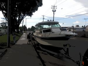 24ft fishing boat with under cabin for Sale in Oakland, CA