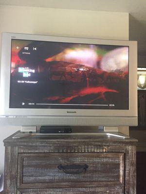 Tv Panasonic de 42 pulgadas for Sale in Visalia, CA