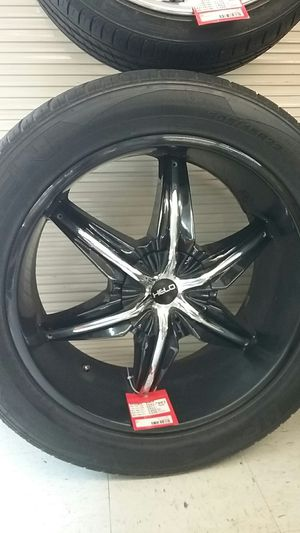 "Helo 305/45r22 22"" 12 lug universal rims for Sale in Sanford, FL"