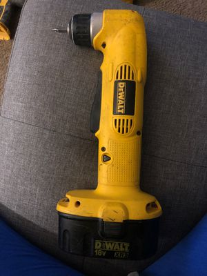 DeWalt 3/8 VSR cordless right drill for Sale in Lemon Grove, CA