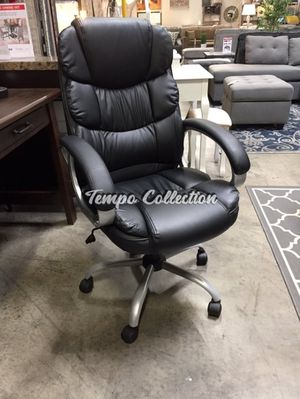 Black High Back Office Chair, SKU# MLT-1157BLKTC for Sale in Norwalk, CA