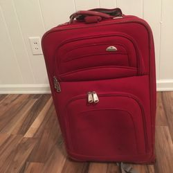 Sampsonite travel luggage bag on roller wheels for Sale in Springfield,  IL