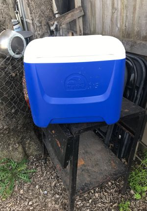 Cooler for Sale in Dallas, TX