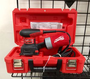 Milwaukee 1/4 Sheet Corded Palm Sander w/Case for Sale in Tampa, FL