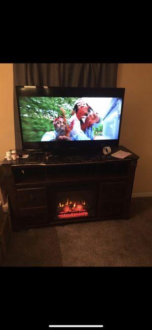50 inch magnavox smart tv for Sale in Reynoldsburg, OH