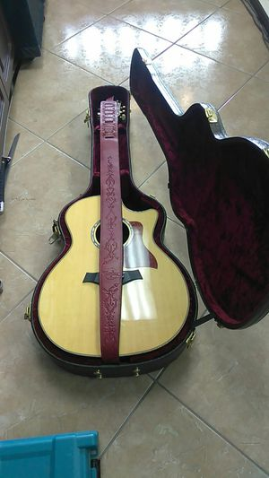 Taylor 814ce Acoustic guitar Pre-owned for Sale in Miami, FL