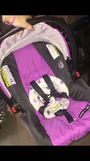 Graco click connect car seat with base for Sale in Queens, NY