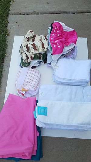 Reusable cloth diapers with inserts/2bags for Sale in Peoria, AZ