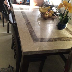Marble Kitchen Table for Sale in Fresno, CA