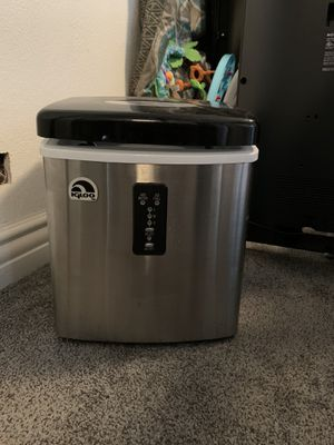 Igloo ice maker for Sale in Lakeside, CA