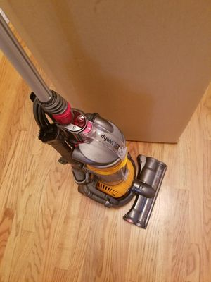 NEW cond DYSON DC24 BALL , ATTACHMENTS,, AMAZING POWER SUCTION, WORKS EXCELLENT, for Sale in Federal Way, WA