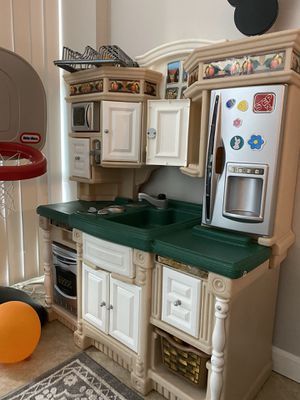 Kitchen-2 step and bunch of food toys, dishes, shopping cart and cash register for Sale in Hollywood, FL