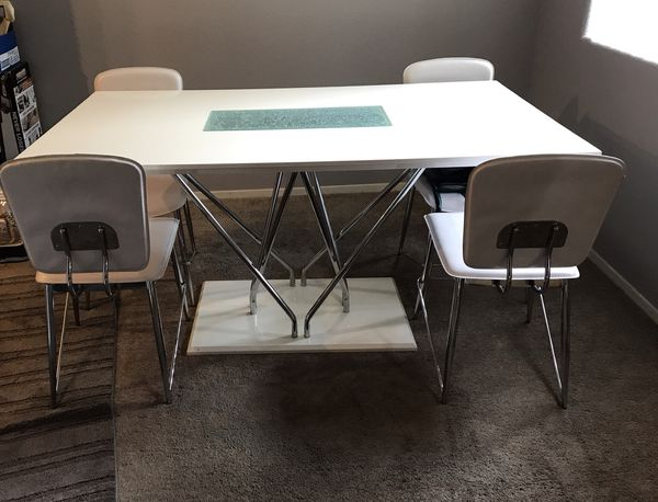 White Modern Dinning Table