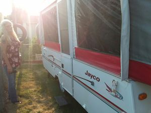 Jayco camper has two queen size beds and very clean gots air heat for Sale in Des Moines, IA