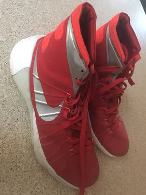 Nike basketball men's shoes size 9.5 for Sale in Auburn, WA