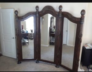 Tri fold mirror for Sale in Tulare, CA