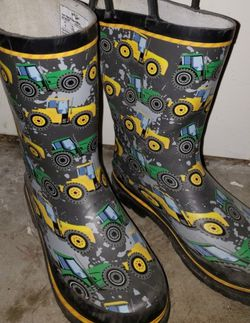 Boy's Western Chief Rain Boot's size 1 youth for Sale in Renton,  WA