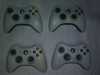 4 Xbox 360 Controllers for Sale in Spring Valley,  CA