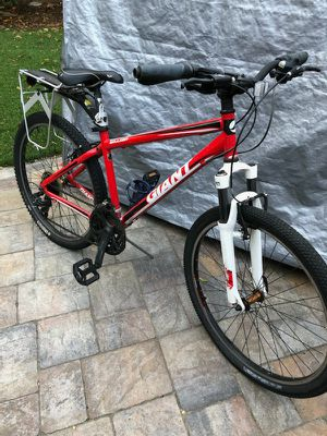 Giant Mountain Bike for Sale in Los Altos, CA
