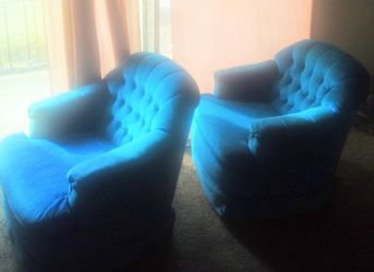 2 SOFA RECLINERS - MADE BY PONTIAC FURNITURE INDUSTRIES (in Pontiac, IL) for Sale in MERRIONETT PK,  IL