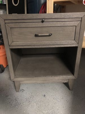2 Nightstands for Sale in Fort Worth, TX