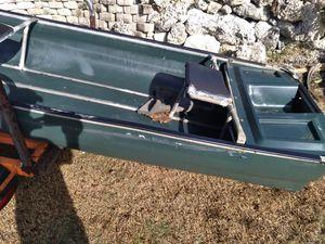 Plastic bass boat for Sale in Miami, FL