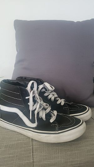 Vans hightops size 7 black and white for Sale in Miami, FL