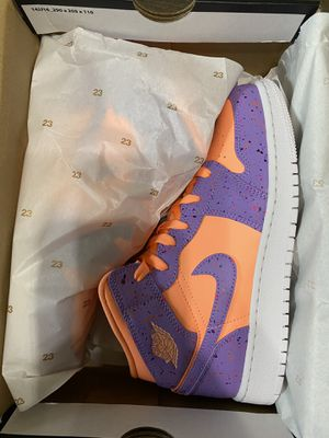 Air Jordan 1 Mid Size 6 for Sale in Allentown, PA