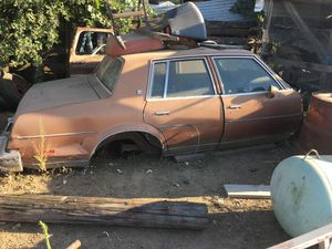 Free for parts or scrap . Must pick up and haul off. for Sale in Dinuba, CA