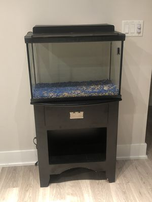 Fish tank (table included) for Sale in Tamarac, FL