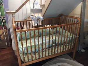 Crib with mattress for Sale in Bailey's Crossroads, VA