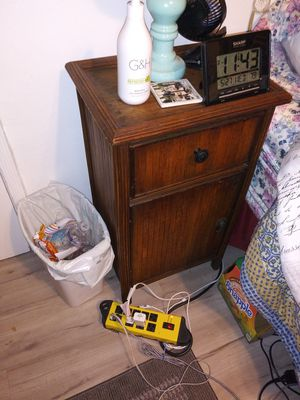Antique night stand for Sale in Long Beach, CA