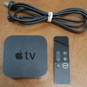 AppleTV 4th 5th Generation 4k 32GB + SIRI Remote (Like New) for Sale in Aldie, VA