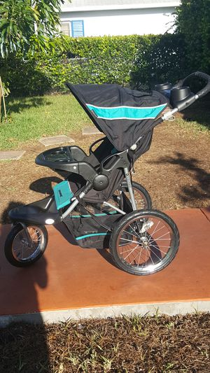 Baby trend stroller for Sale in West Palm Beach, FL